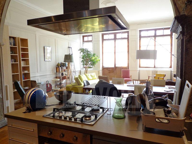 RAV0002 vue salon depuis cuisine
