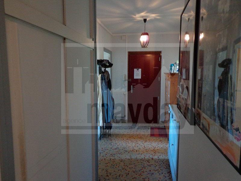 RAV0007 couloir et entree