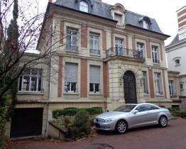 RAV0201 facade 3