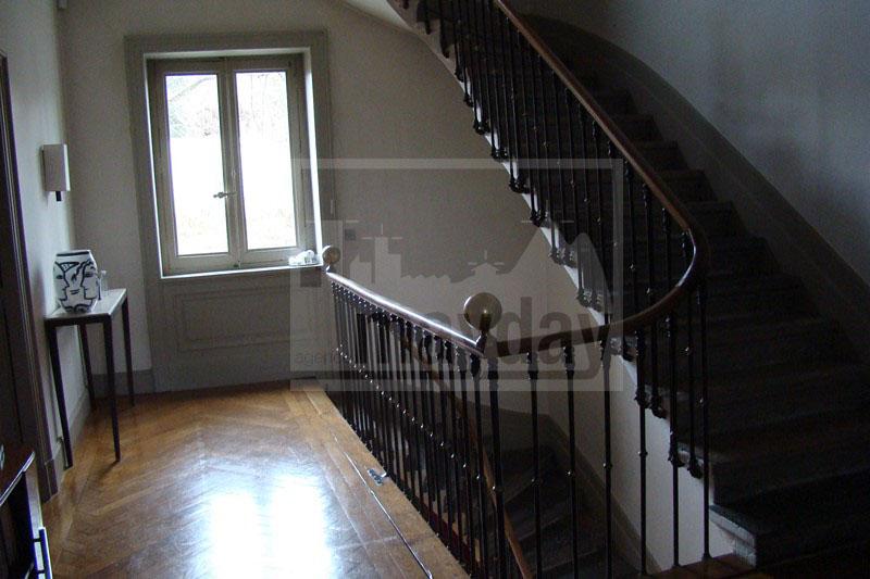 RAV0205 escalier étage