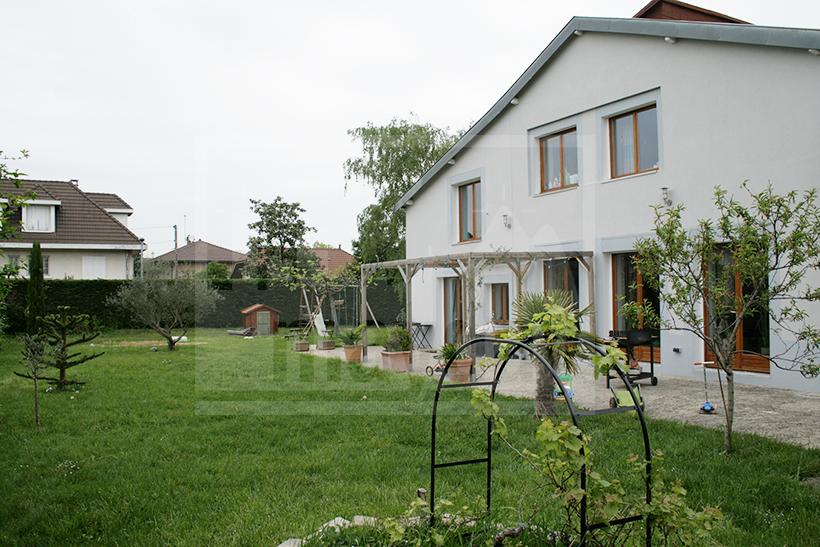 Maison familiale style loft en banlieue de Lyon (jean0005)  Agence ...