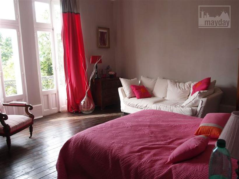 clav0015-manoir-19eme-bourgogne-chambre-2