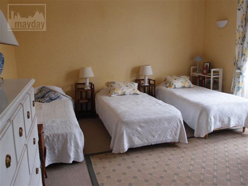 clav0015-manoir-19eme-bourgogne-chambre-3