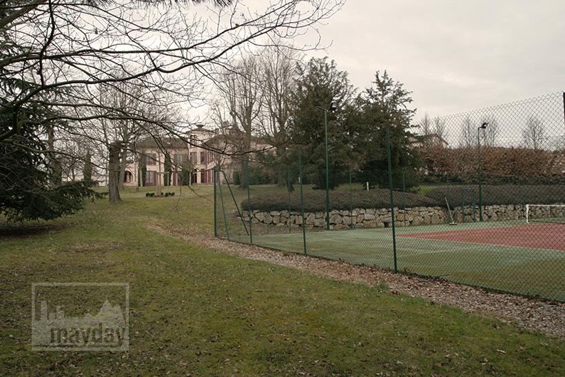 clav0020-domaine-tour-haras-cour-de-tennis-1