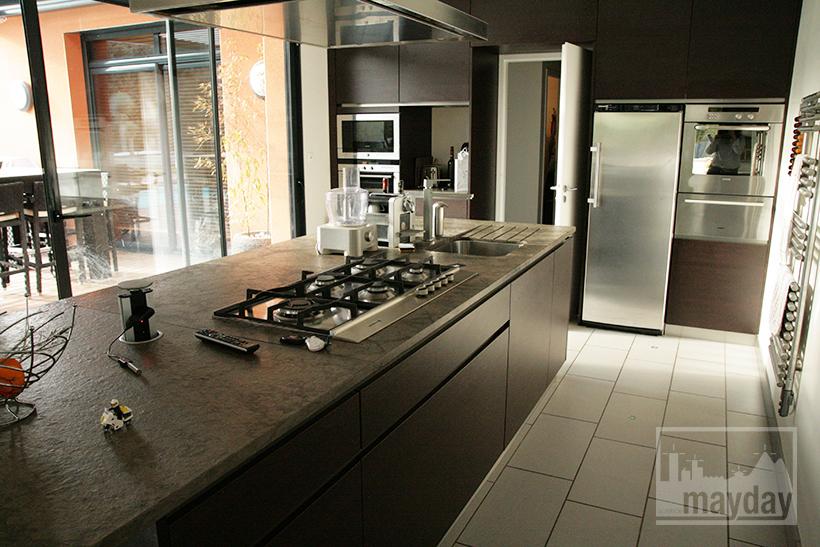 clav0021-villa-moderne-sud-cuisine-1