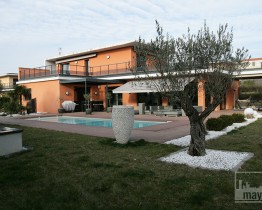 clav0021-villa-moderne-sud-exterieur
