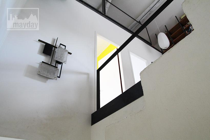 clav0022-maison-brut-en-boite-escalier-1