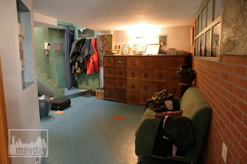 clav0028-maison-ville-grande-baie-vitree-entree-2