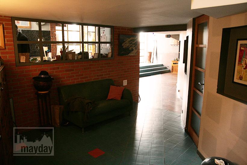 clav0028-maison-ville-grande-baie-vitree-entree