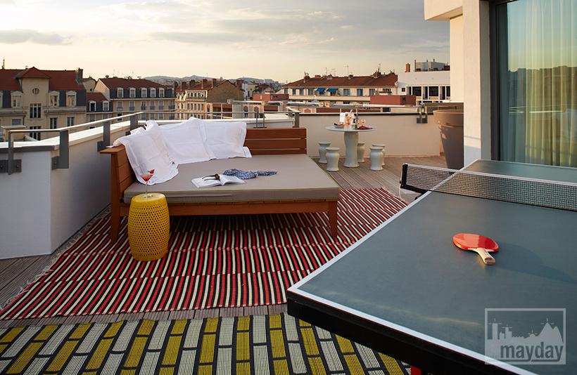 clav0032-terrasse-panoramique-chic-avec-vue-sur-lyon-4