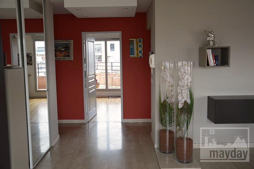 rav0019-appartement-terrasse-vue-entree