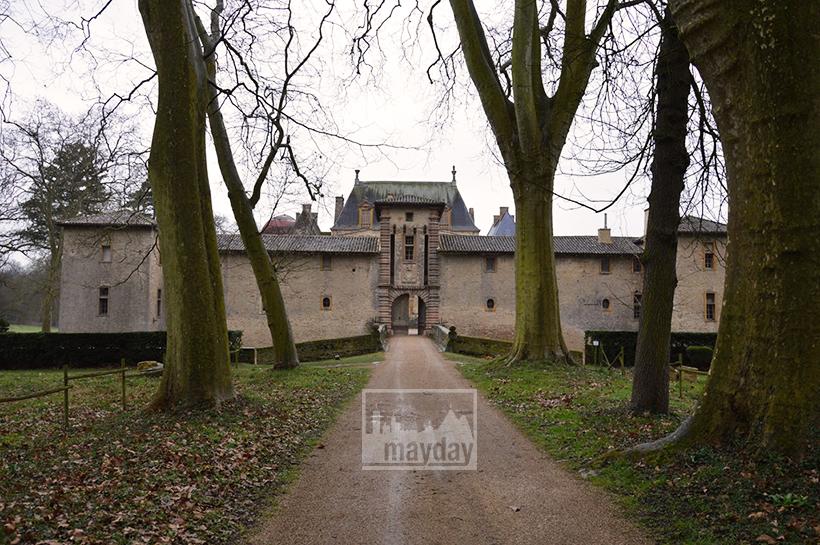 rav0501-chateau-italie-beaujolais-allee-1
