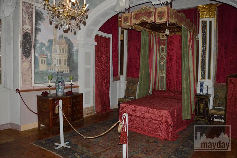 rav0501-chateau-italie-beaujolais-chambre-1
