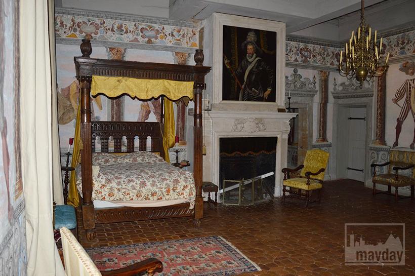 rav0501-chateau-italie-beaujolais-chambre-2