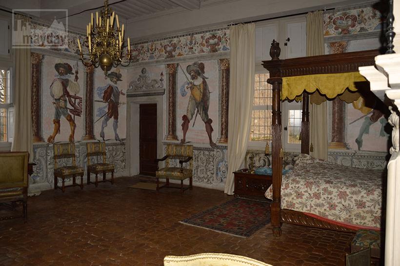 rav0501-chateau-italie-beaujolais-chambre-3