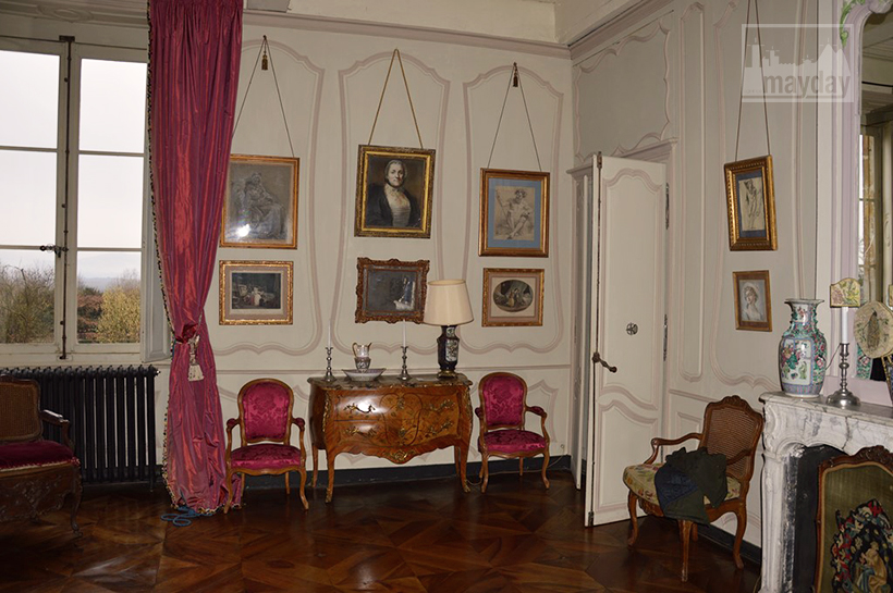 rav0501-chateau-italie-beaujolais-chambre-4