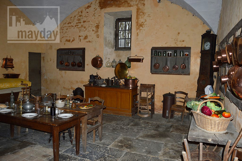 rav0501-chateau-italie-beaujolais-cuisine-1