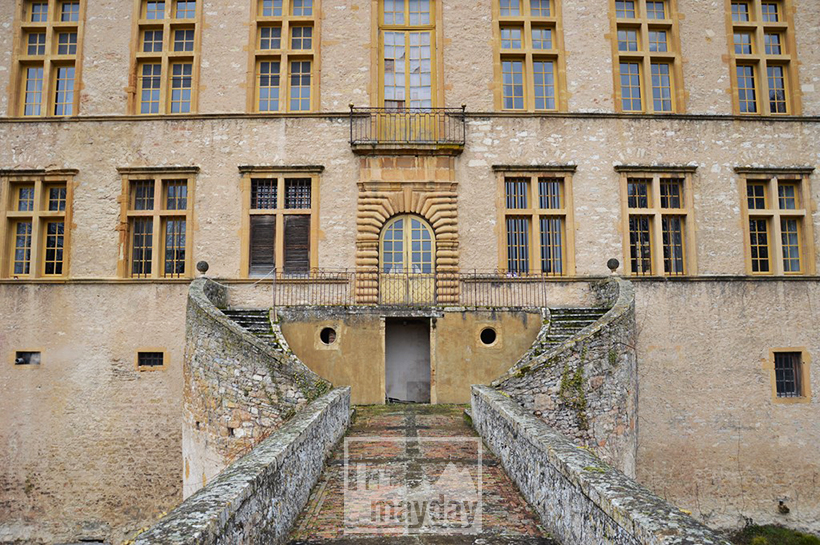 rav0501-chateau-italie-beaujolais-entree-2