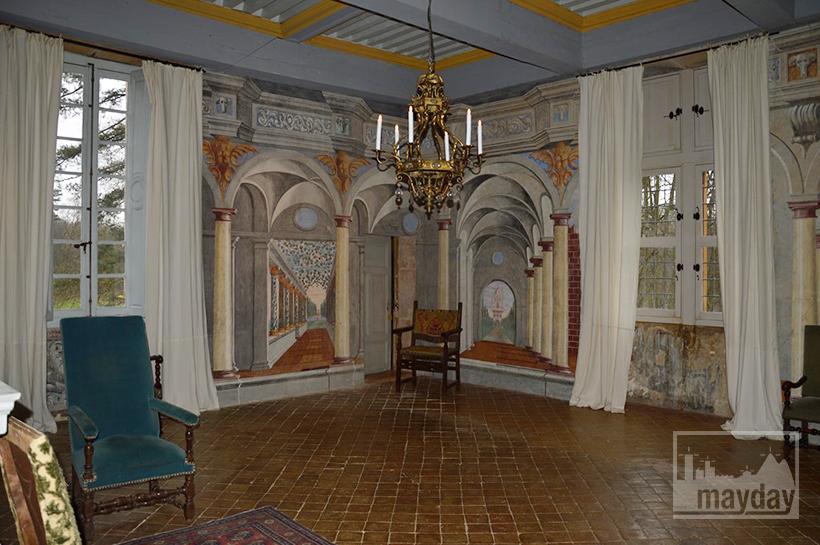 rav0501-chateau-italie-beaujolais-fresque