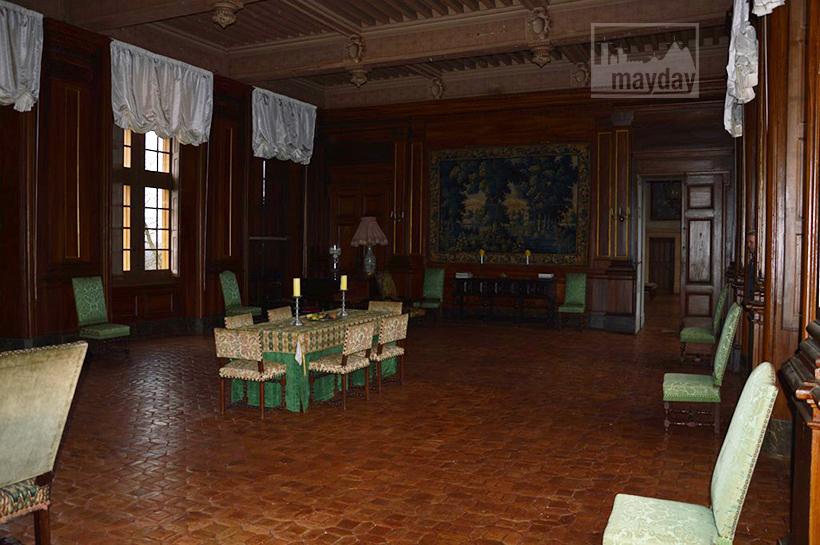 rav0501-chateau-italie-beaujolais-grande-salle-1