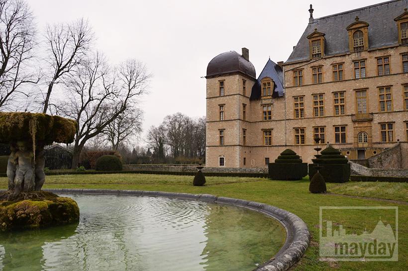 rav0501-chateau-italie-beaujolais-jardin-3