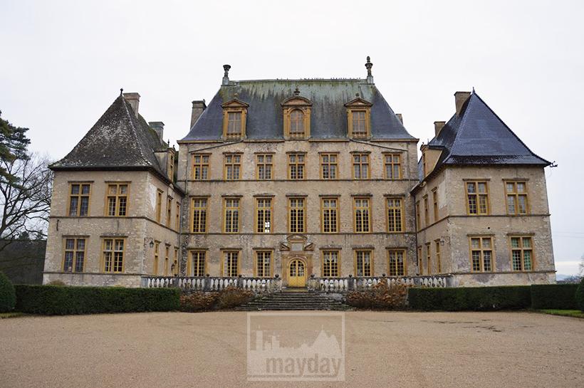 rav0501-chateau-italie-beaujolais-jardin-4