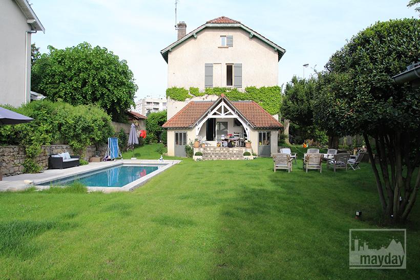 clav0035-maison-bourgeoise-pop-jardin-3