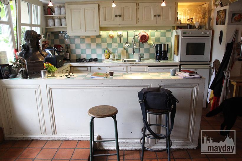 clav0038-maison-feuillue-d'artiste-cuisine-2