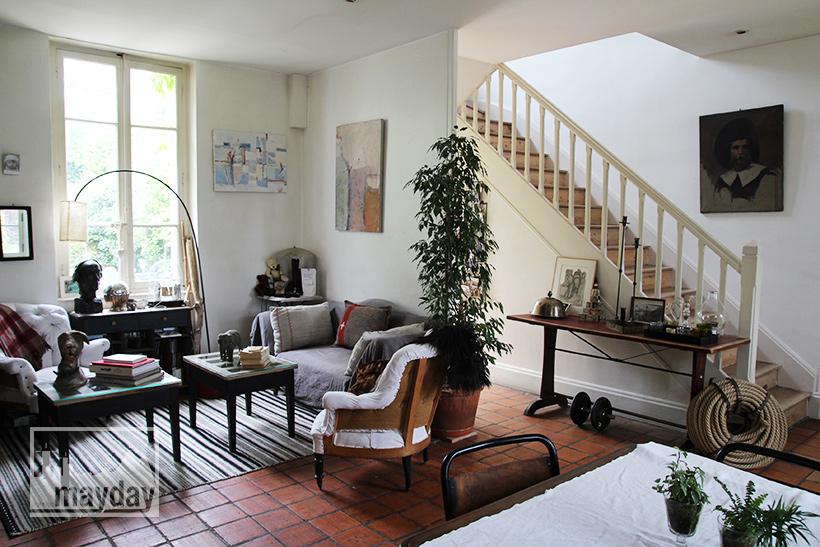 clav0038-maison-feuillue-d'artiste-salon-2