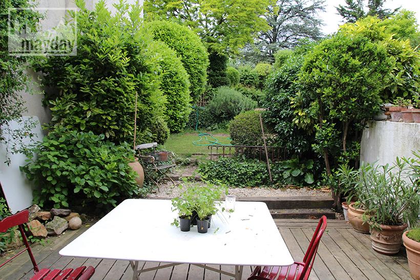 clav0038-maison-feuillue-d'artiste-terrasse-1
