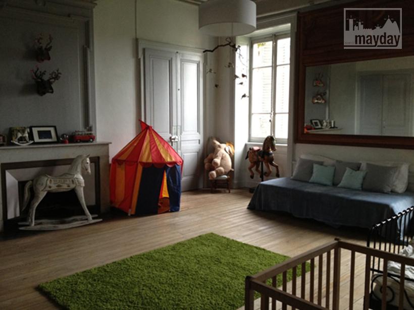 clav0034-prieure-renove-romantique-chambre-enfant-1