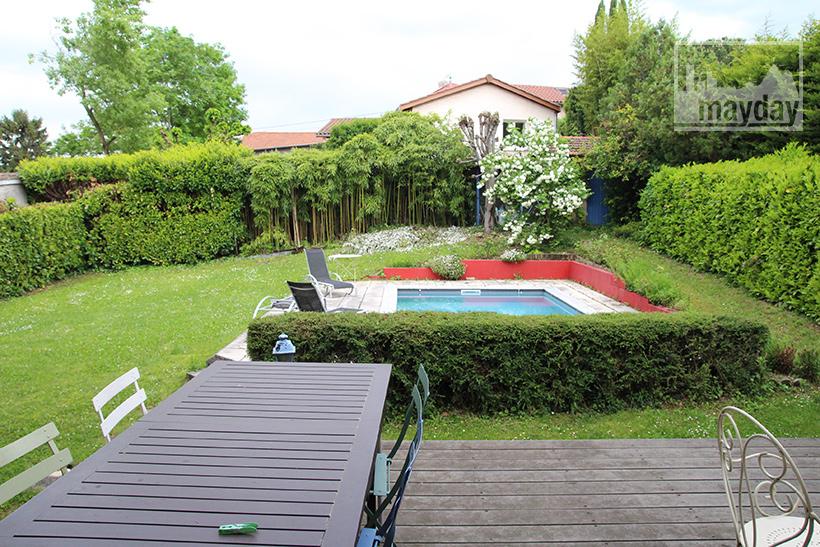 clav0040-maison-50s-ouverte-jardin-2