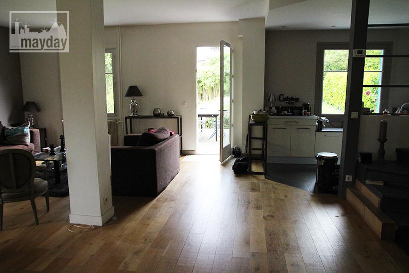 clav0040-maison-50s-ouverte-salon-3