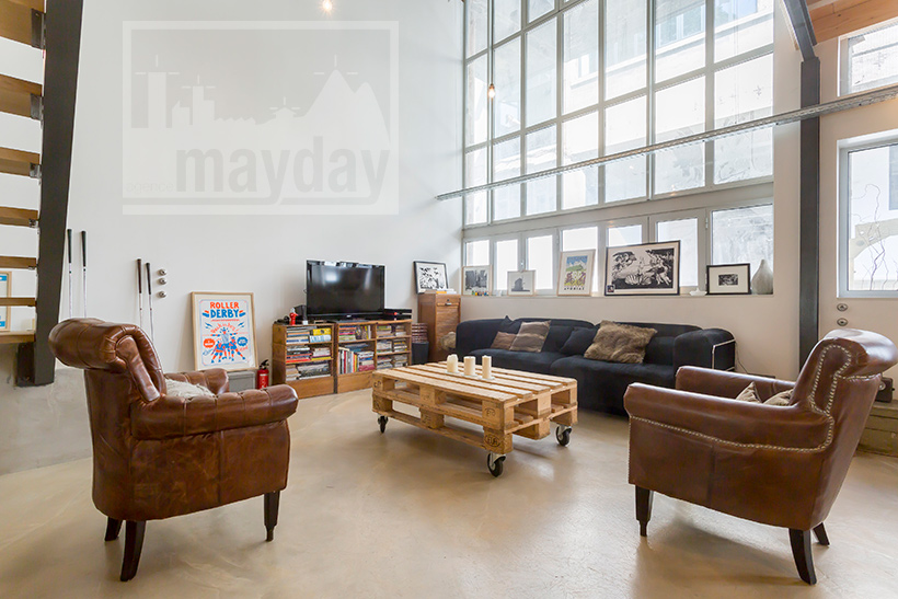 loft mur de lumi re jean0028 agence mayday rep rage de d cors recherche de d cors pour. Black Bedroom Furniture Sets. Home Design Ideas