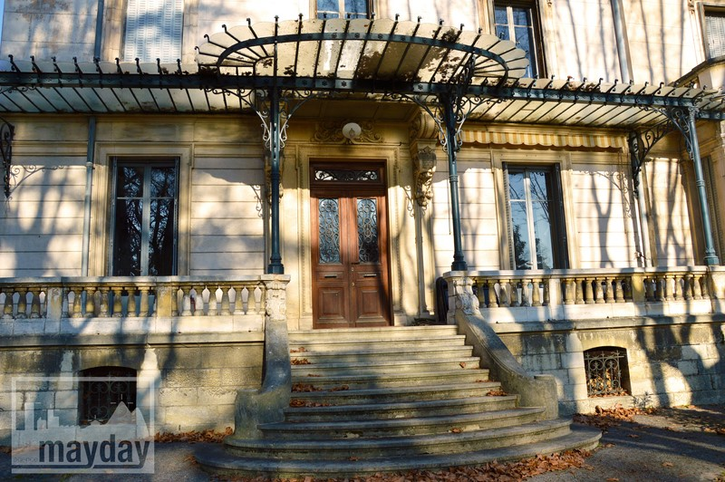 Entrée ext chateau RAV0501