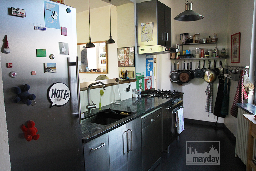 clav0057-maison-triangulaire-int-cuisine-1