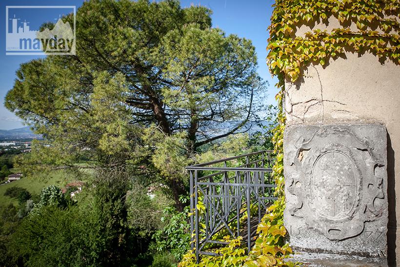 clav0078-palais-toscan-pres-de-lyon-ext-10