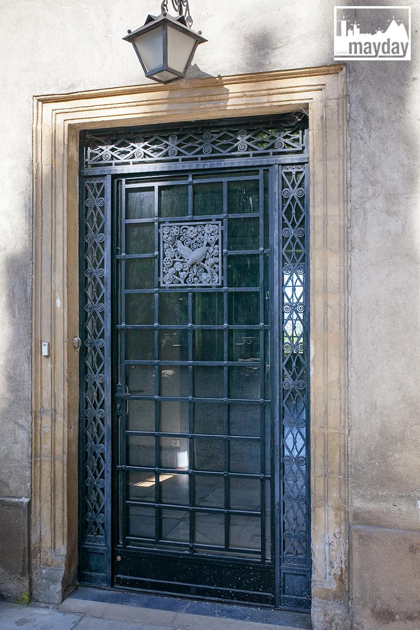 clav0078-palais-toscan-pres-de-lyon-ext-2