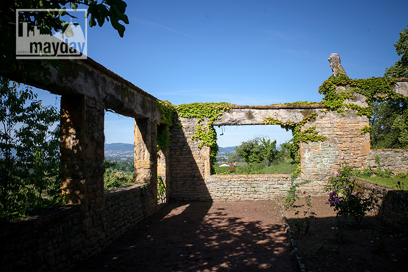 clav0078-palais-toscan-pres-de-lyon-ext-7