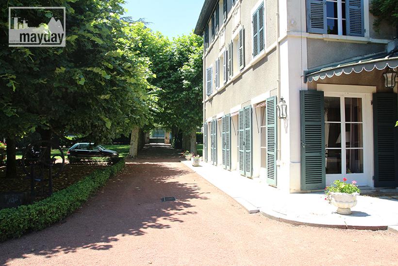 clav0104-maison-gatsby-allee-2