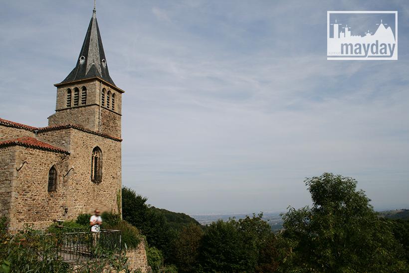 clav0113-village-ruine-monts-du-lyonnais-3