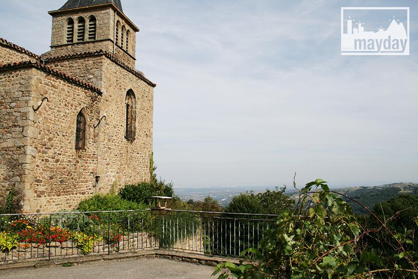 clav0113-village-ruine-monts-du-lyonnais-5