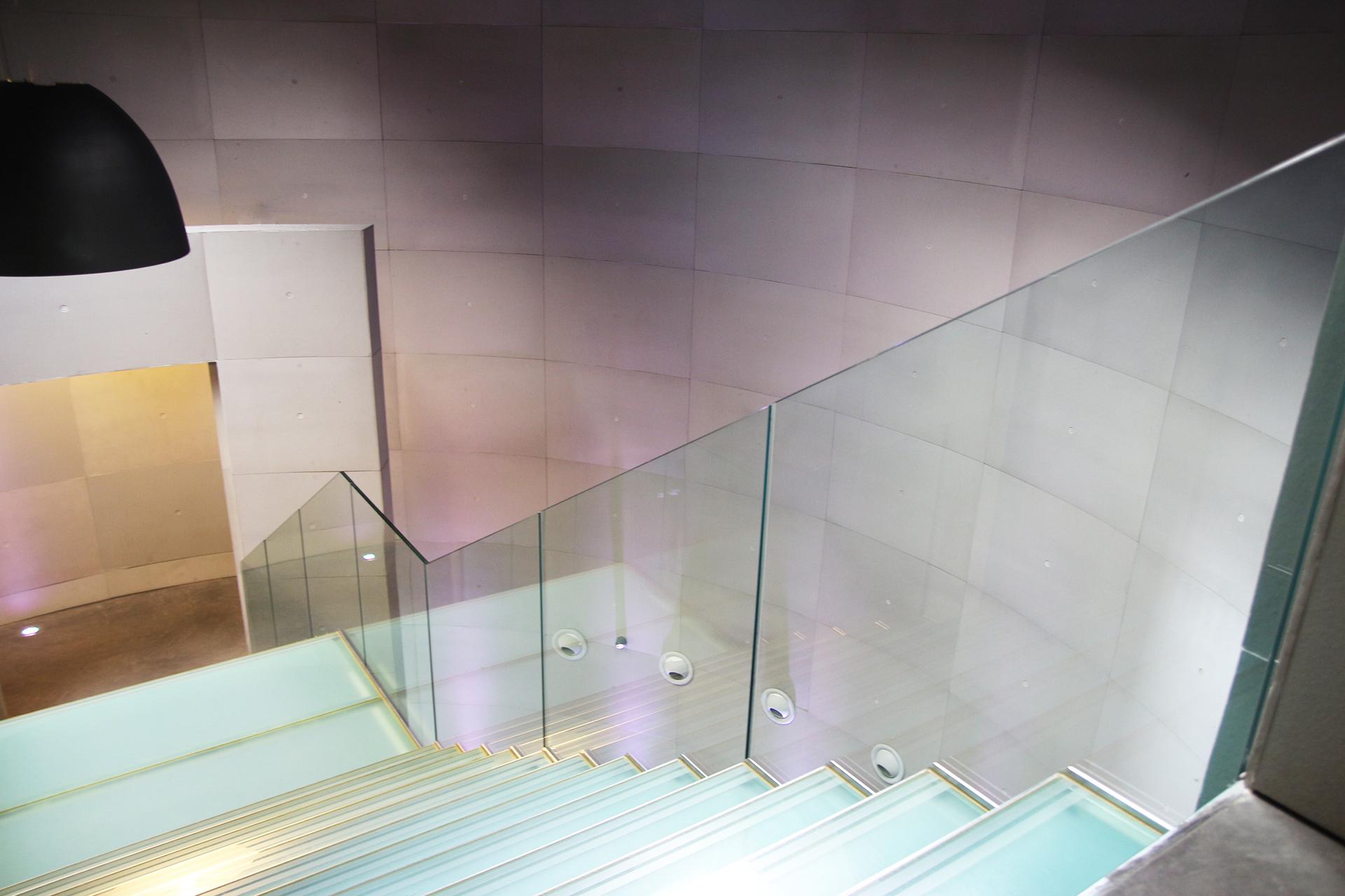 clav0115e-atrium-DIAPO