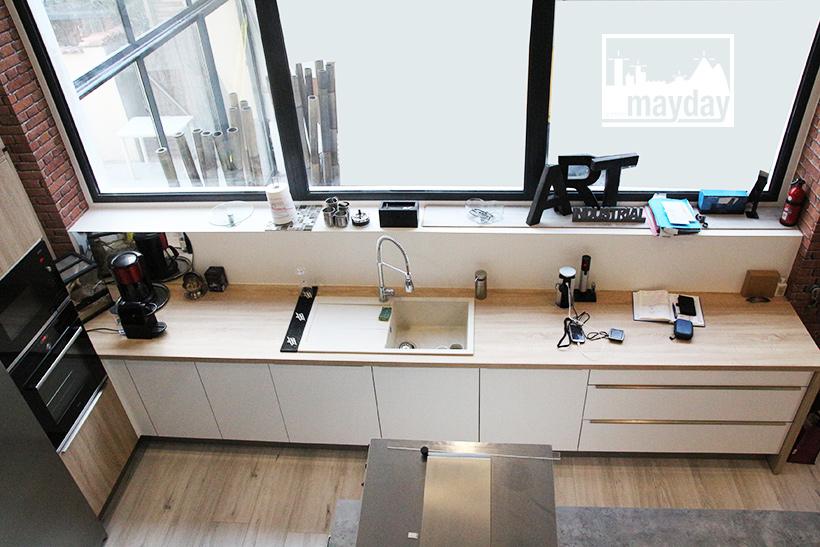 clav0137-loft-indus-et-sa-cuisine-centrale-2