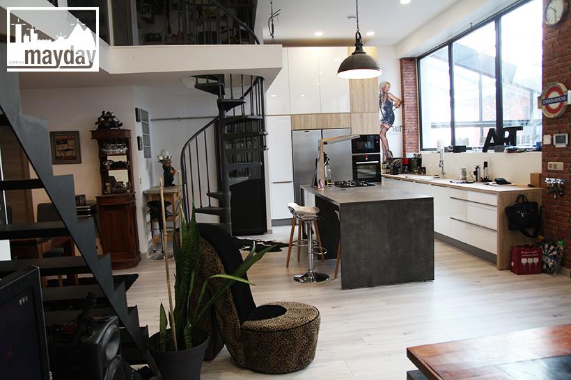 clav0137-loft-indus-et-sa-cuisine-centrale-6
