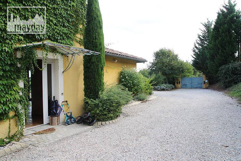 clav0203-la-maison-provencale-ext-allée-6