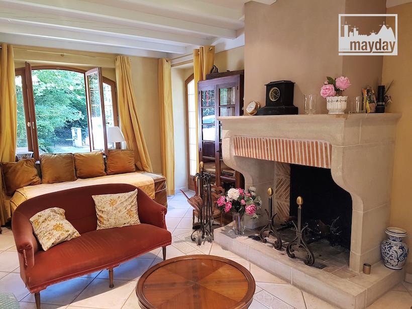 3. Jean0062-maison-marennes-Salon vue parc.